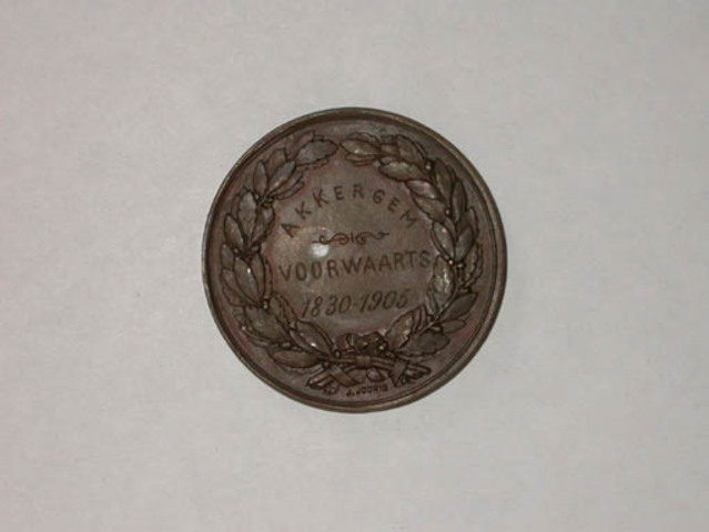Gedenkpenning 75 jaar België door Akkergem voorwaarts, 1905