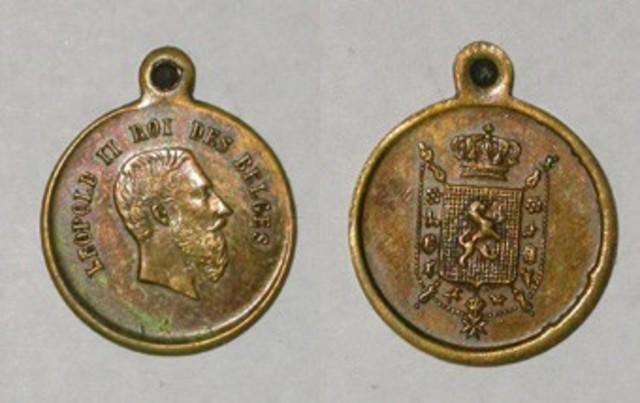 Draagpenning Leopold II met Belgisch wapenschild
