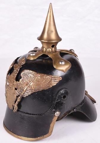 helm met puntige bekroning en insigne (arend...), soldaat van de Koninklijke Pruisische wacht voor 1870