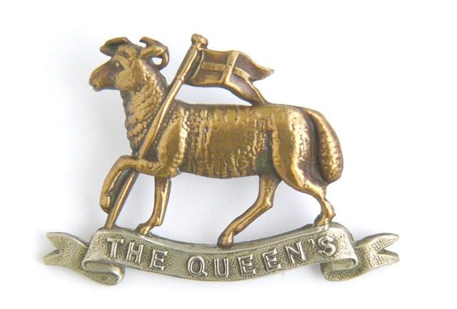 Cap badge Queen's (Royal West Surrey) Regiment