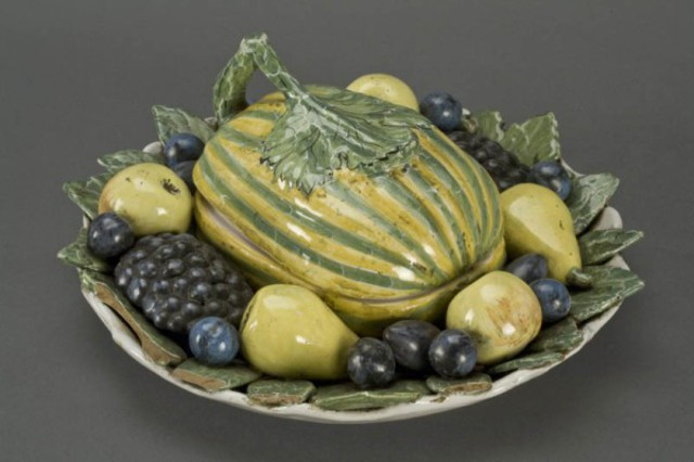 Bord met vruchten