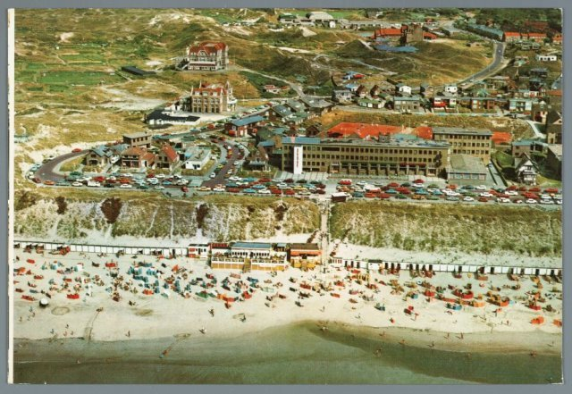 Luchtfoto Boulevard Hotel en strand no 32437