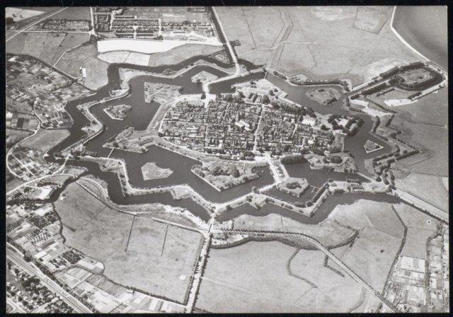 Luchtfoto van Naarden.