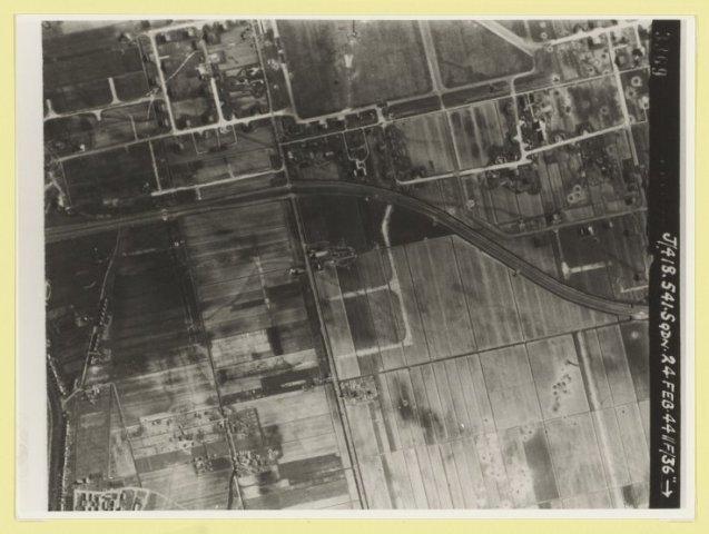Luchtfoto van Schiphol en omgeving.