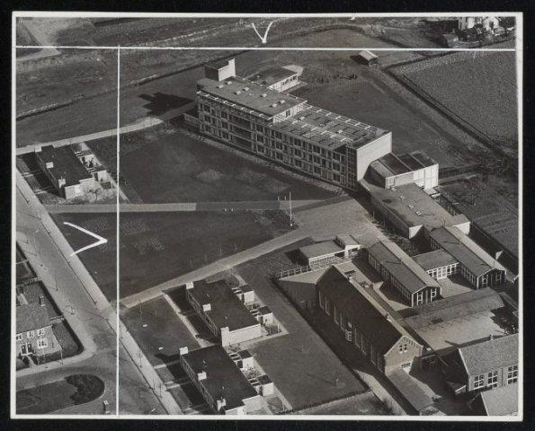 Luchtfoto bejaardentehuis Meerstede.