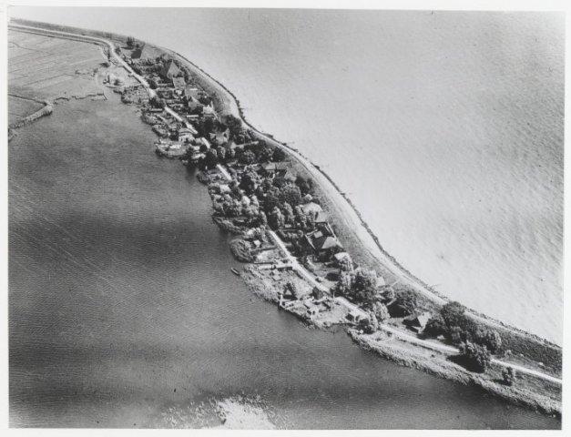 Luchtfoto Monnickendam K.L.M. Aerocarto N.V.