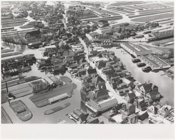 Luchtfoto Langedijk/Broek op Langedijk.