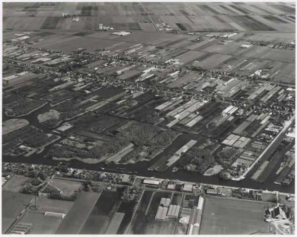 Luchtfoto van Aalsmeer detailoverzicht.