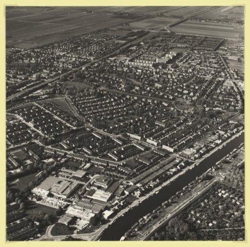 Luchtfoto van Badhoevedorp.