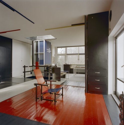 Interieur kamer overzicht met stoel rietveld bekijken utrecht altijd - Stoel volwassen kamer ...