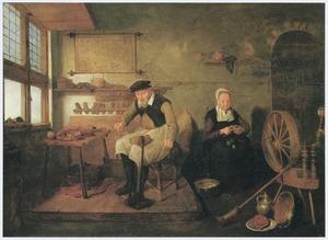 Schoenmaker in zijn werkplaats met een vrouw die een vrucht schilt