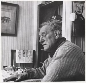 Fiedler op een van de laatste dagen van 1960 in het huis M. J. Kosterstraat 11 te Amsterdam
