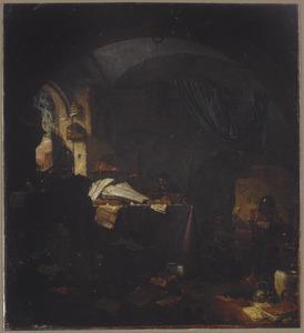 Alchemist in zijn studeervertrek, met een knecht en omringd door boeken