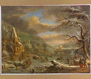 Wintergezicht met sleden en schaatsers op het ijs