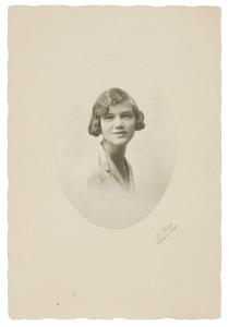 Portret van Anna Maria Clara Feyoena van Valkenburg (1912- )