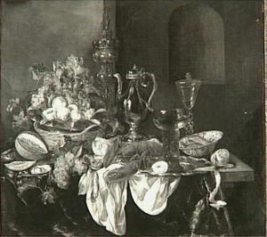 Stilleven met zilver- en glaswerk, kreeft, fruit en