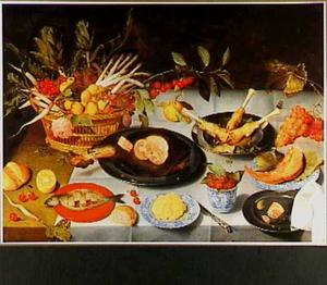 Stilleven met vlees, vruchten, brood en boter
