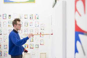 Jordy van den Nieuwendijk in zijn atelier