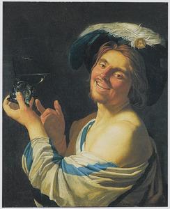 Lachende man met wijnglas