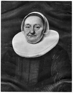Portret van een oudere vrouw