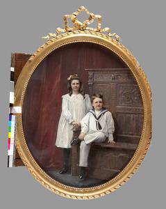 Dubbelportret van Julie Eliza barones van Pallandt (1898-1971) en Adolf Frederik Willem Lodewijk baron van Pallandt (1899-1911)