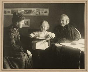 Groepsportret van twee vrouwen met een kind