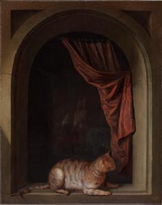 Een kat die in een venster ligt met op de achtergrond een kunstenaar in zijn atelier