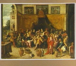 De bruiloft te Kana (Johannes 2:1-11); aan de muur schilderijen met Rebekka en Eliezer bij de bron en Mozes die water uit de rots slaat