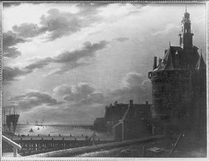 Gezicht op de hoofdtoren van Hoorn bij maanlicht