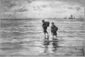 Kinderen met manden die pootje baden in zee