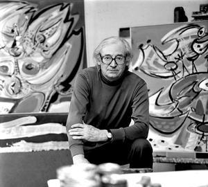 Portret van Anton Rooskens met twee van zijn schilderijen