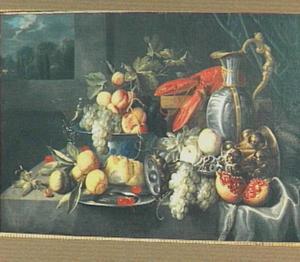 Stilleven van vruchten, kreeft en siervaatwerk, links een venster met een doorkijk naar een landschap