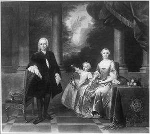 Portret van Gerrit Hooft (1708-1780) met vrouw en dochter