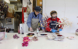 Liet Heringa en Maarten van Kalsbeek in hun atelier