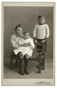 Portret van de kinderen van Willem Johan Jacob Cornelis Bijleveld (1878-1952)