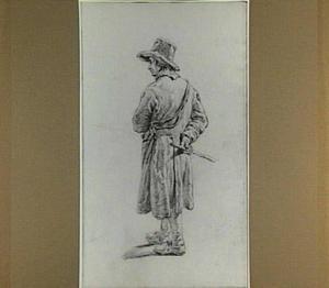 Staande man met hoed en stok; gezien van opzij