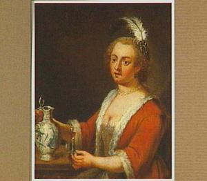 Een jonge vrouw aan een tafel met een kan en een glas