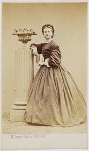 Portret van een vrouw, mogelijk Catherine Louise Wilhelmina barones van Pallandt (1843-1930)