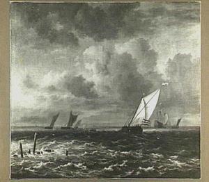 Scheepvaart bij een frisse bries met rechts op de achtergrond een fregat