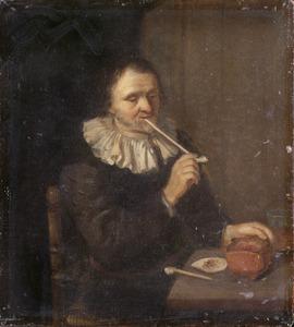 Interieur met een man die een pijp rookt