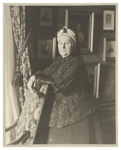Portret van de weduwe van Van Weede van Dijkveld