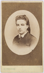 Portret van Eugenia Johanna Maria Ghislena Suijs (1843-1894)