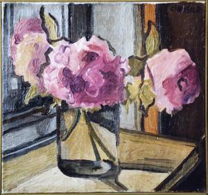 Stilleven met roze bloemen (pioenrozen?) in glazen vaas
