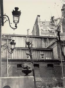 Het exterieur van het atelier van Kees van Dongen aan de rue de Courcelles, Parijs