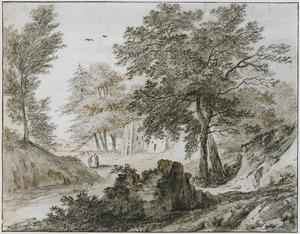 Boomrijk heuvellandschap met twee figuren op een weg