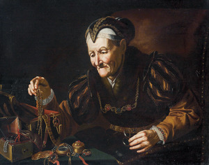 Een oude vrouw bewondert haar juwelen