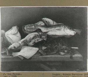 Visstilleven op een houten tafel
