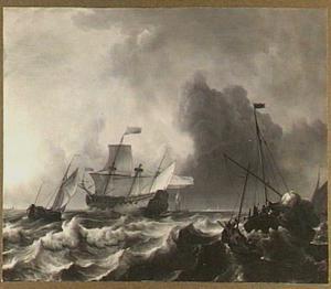 Schepen in storm; aan de horizon zicht op een kerktoren