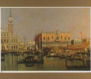 Gezicht op de Piazzetta en het Dogenpaleis in Venetië