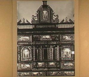 Kunstkastje beschilderd met taferelen uit het Oude Testament